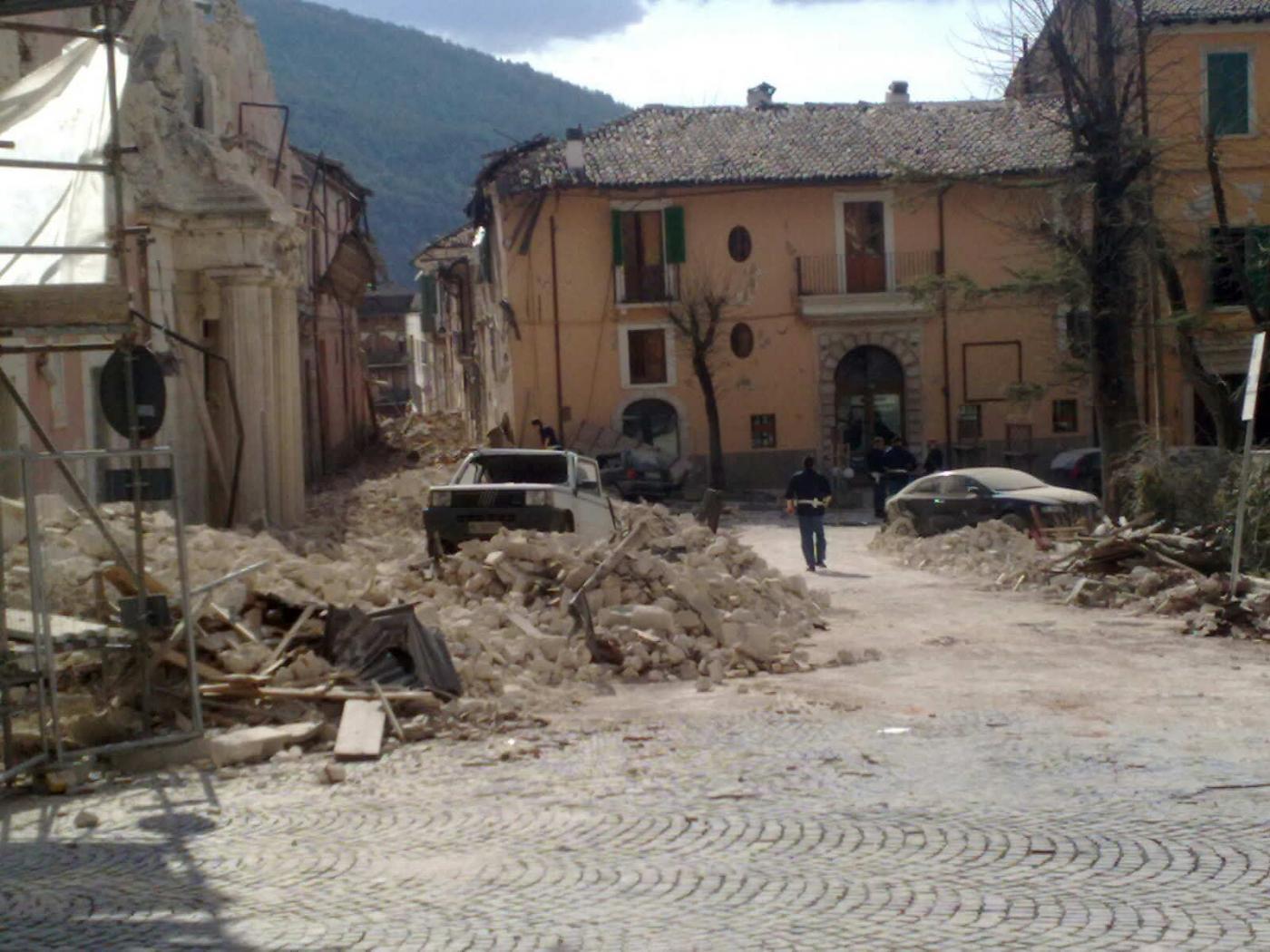 Terremoto l 39 aquila in italia i piani di protezione for Piani di piantagione storici