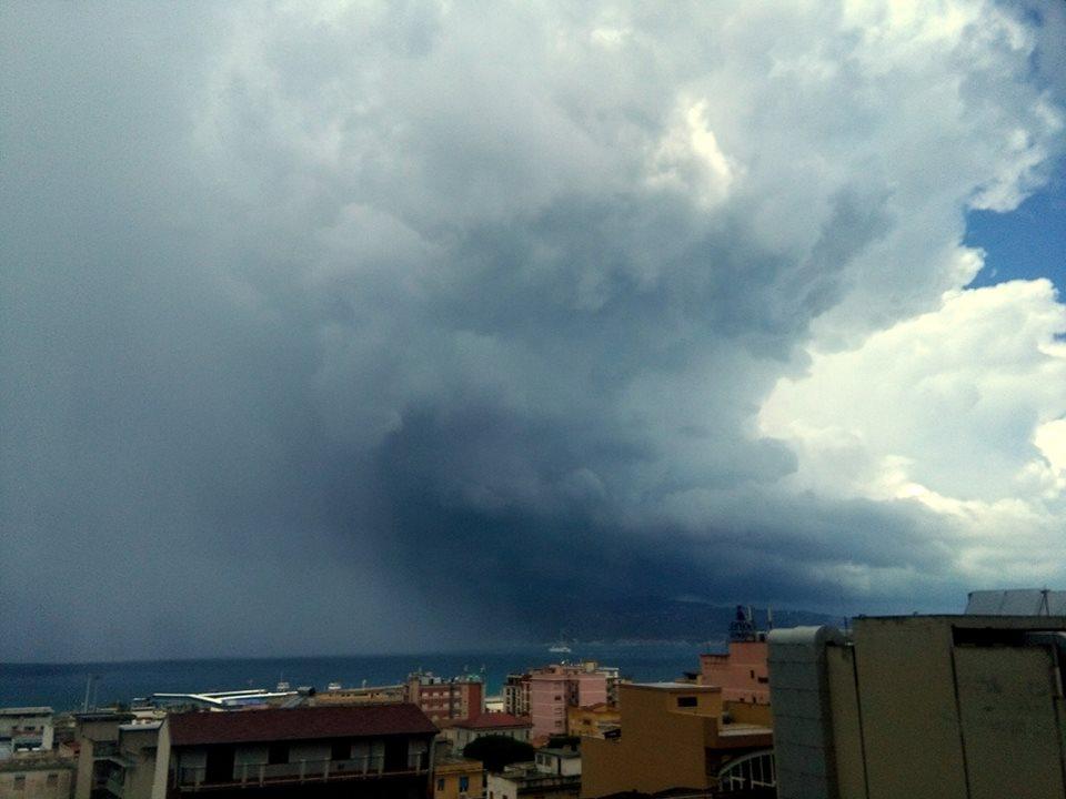 Il maltempo di oggi nello Stretto di Messina (oltre 20mm a Reggio Calabria)