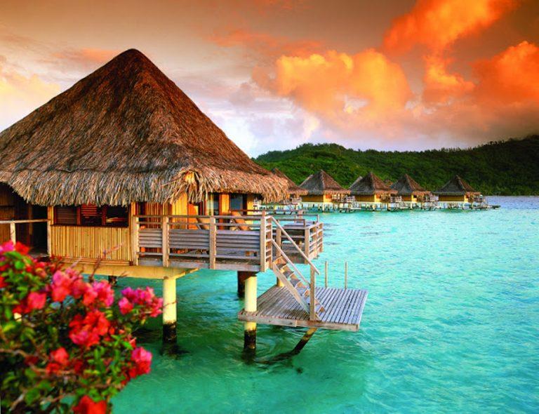 I colori di Tahiti durante il tramonto assumono sfumature ancor più preziose
