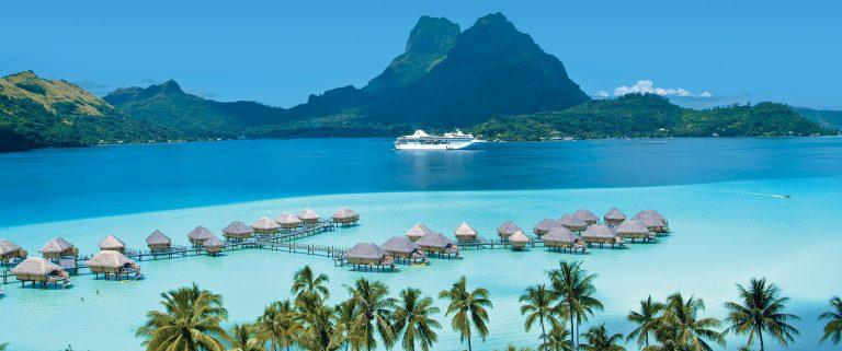 Splendido panorama di Tahiti, centro economico, politico e culturale della Polinesia Francese