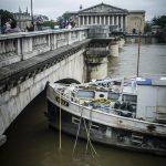 Alluvioni in Francia: allerta in 14 dipartimenti, scende il livello della Senna [GALLERY]