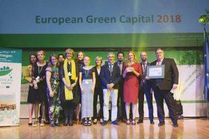 La delegazione della città di Nimega Olanda, riceve il premio di European Green capital 2018