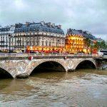 """Alluvione Francia, notte da incubo a Parigi per la piena della Senna: """"il peggio nel weekend"""" [GALLERY]"""