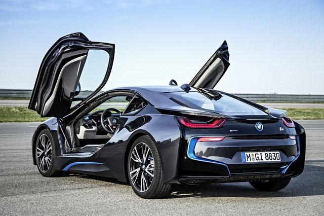 auto elettriche bmw i8
