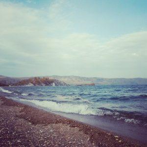 Le rive del lago Bajkal