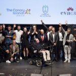 Scienza in lutto: è morto Stephen Hawking, il celebre astrofisico che studiò le origini dell'universo