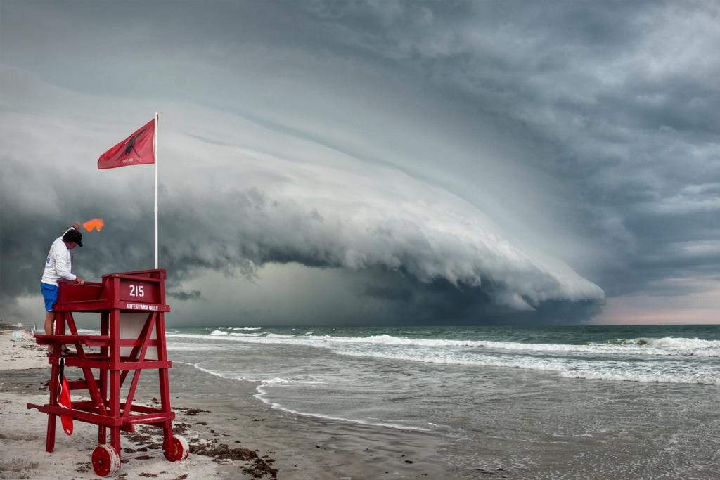 shelf cloud alert storm