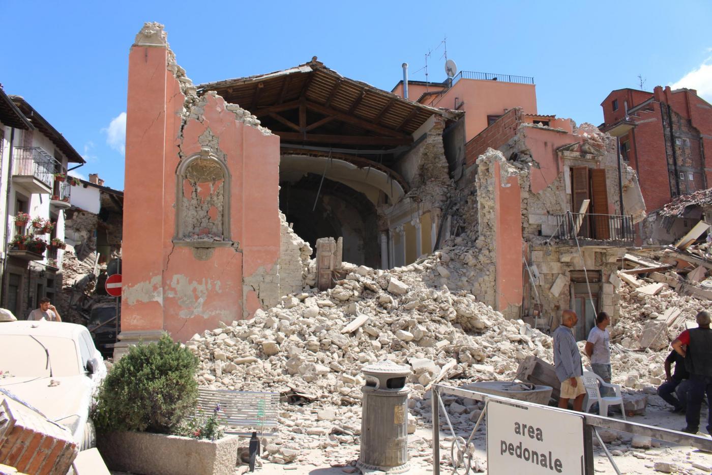 Terremoto, Sgarbi: salvate tutte le opere d'arte di Amatrice