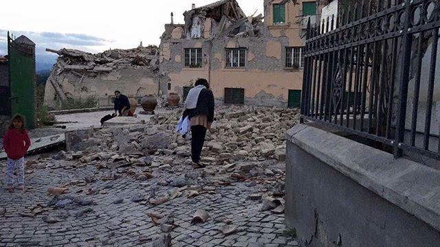 Pescara Camera Live : Terremoto almeno 11 morti tra amatrice arquata del tronto