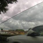 Maltempo, ciclone sull'Italia: bombe d'acqua e temperature in picchiata [FOTO LIVE]