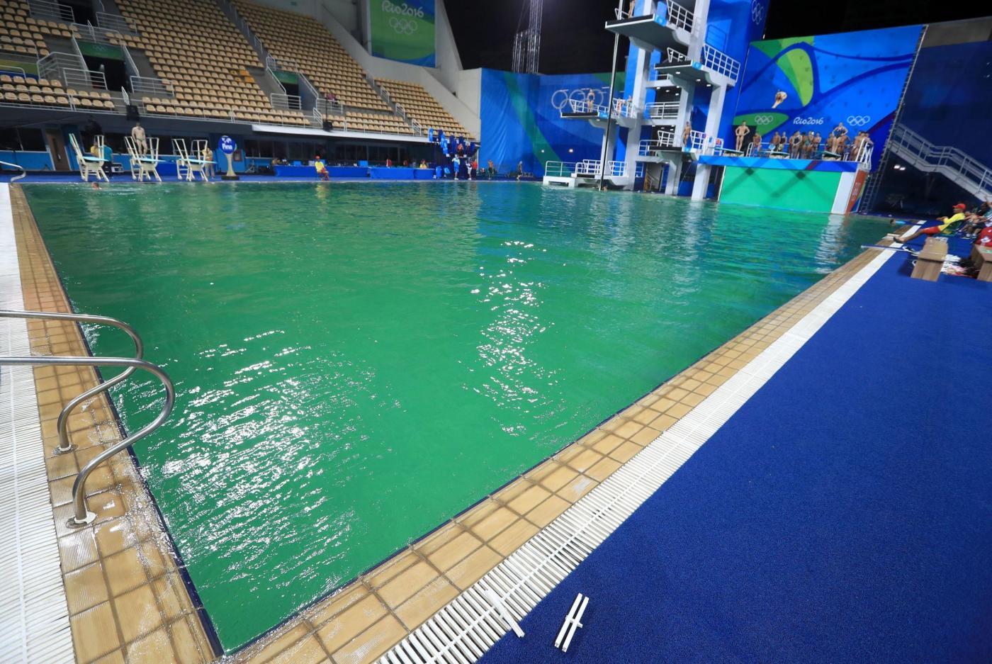 Olimpiadi tuffi acqua ancora verde chiusa piscina a rio - Piscina olimpiadi ...
