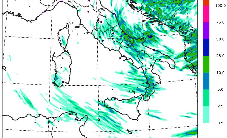 Allerta Meteo, da stasera il maltempo si sposta al Sud: arriva il ciclone, attenzione ai fenomeni estremi [MAPPE]