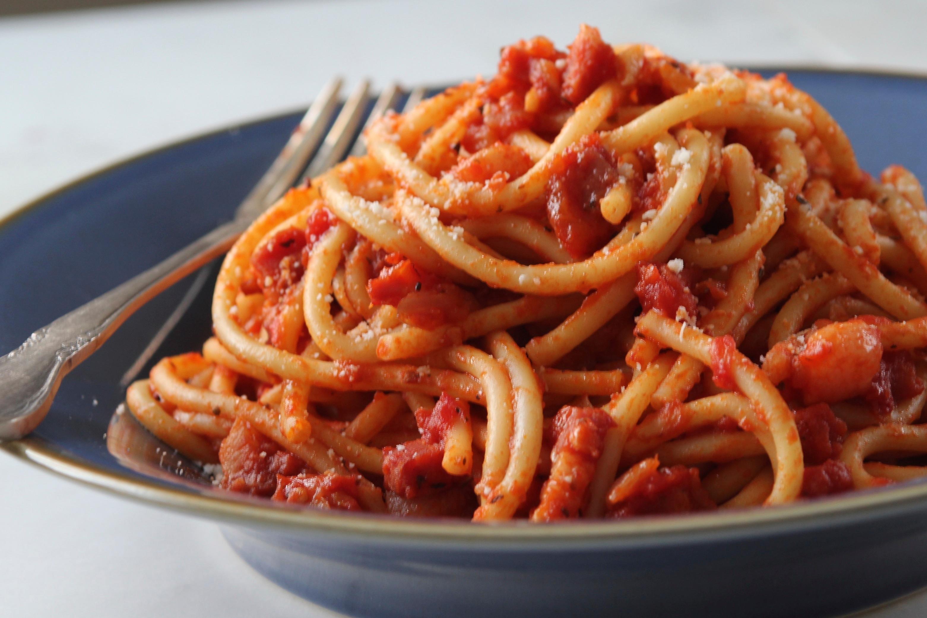 """Amatriciana: storia e ricetta di una meraviglia gastronomica """"made in Italy"""" amata in tutto il mondo"""