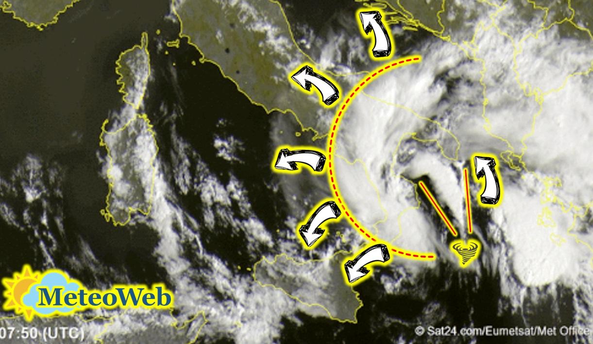 Allerta Meteo, ciclone sullo Jonio in evoluzione tropicale: 3° giorno consecutivo di maltempo al Sud, si intensificherà ancora nei prossimi giorni