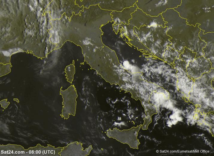 Allerta Meteo, ancora maltempo al Sud: pericolosi nuclei temporaleschi in azione, attenzione nel Salento, in Abruzzo e Molise [LIVE]