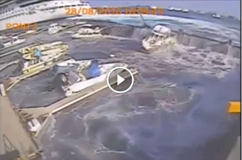 Incredibile a Messina: nave da crociera sbaglia manovra e crea mini tsunami danneggiando 2 pontili [VIDEO SHOCK]