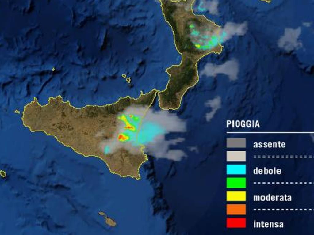 Maltempo al Sud, forti temporali nella Sicilia orientale: attenzione a Catania [LIVE]