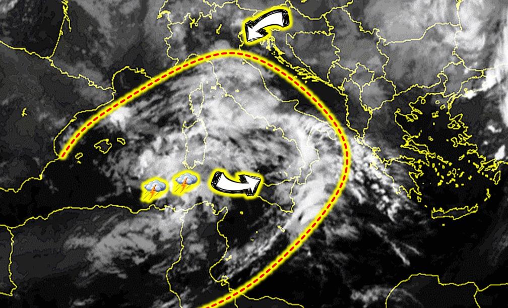 Allerta Meteo: tappeto di nubi sull'Italia nella notte, in arrivo anche i forti temporali [LIVE]