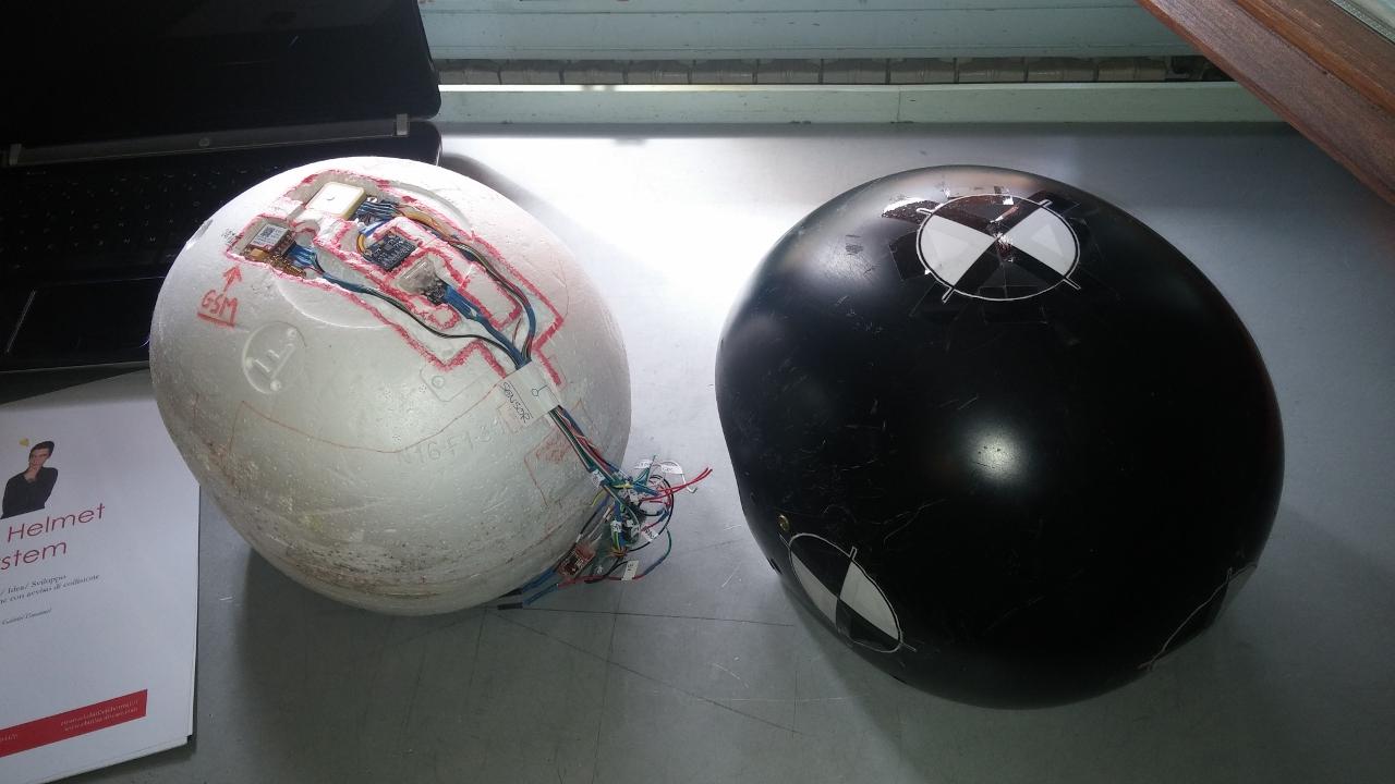 Studente fiorentino inventa il casco salvavita: in caso di incidente invia sms a soccorsi e famiglia