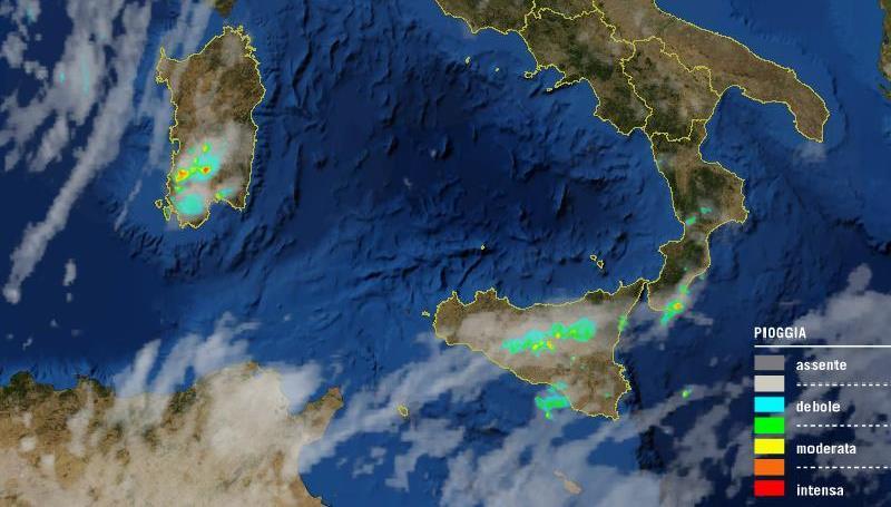 Maltempo, temporali sulle Alpi e all'estremo Sud: bombe d'acqua in Calabria e sulle isole, situazione critica a Sanluri e nel reggino [LIVE]