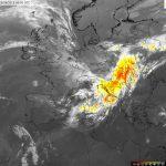 """Allerta Meteo Italia, cielo coperto dai """"cirri"""": sono nubi alte stratiformi, avamposto del ciclone in arrivo [MAPPE LIVE]"""