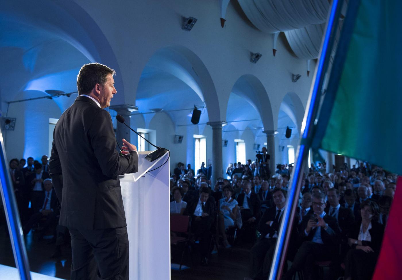 Industria, 13 miliardi per il piano 4.0: per Renzi è un'opportunità per l'Italia
