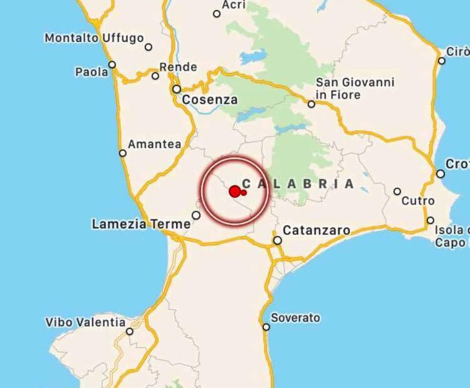 Terremoto, scossa nel cuore della Calabria: epicentro tra Catanzaro e Lamezia Terme, paura in Sila [MAPPE e DATI INGV]