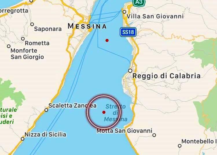 Terremoto, sciame sismico nello Stretto tra Messina e Reggio Calabria: 7 scosse in dieci minuti [MAPPE e DATI INGV]