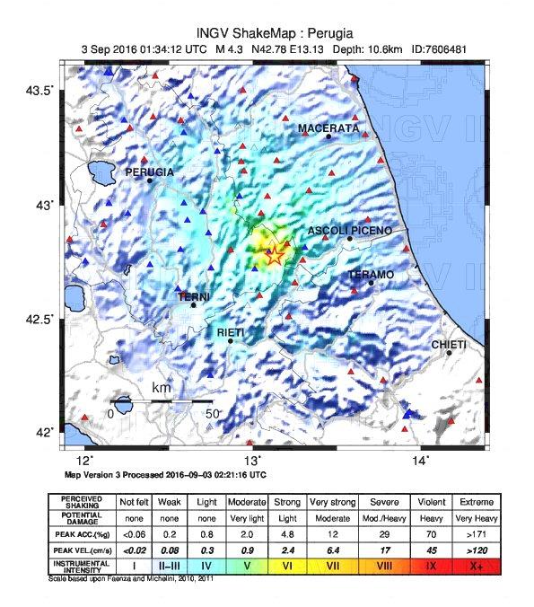 """Forte scossa di terremoto nel """"cratere"""", paura nella notte a Norcia [DATI e MAPPE INGV]"""