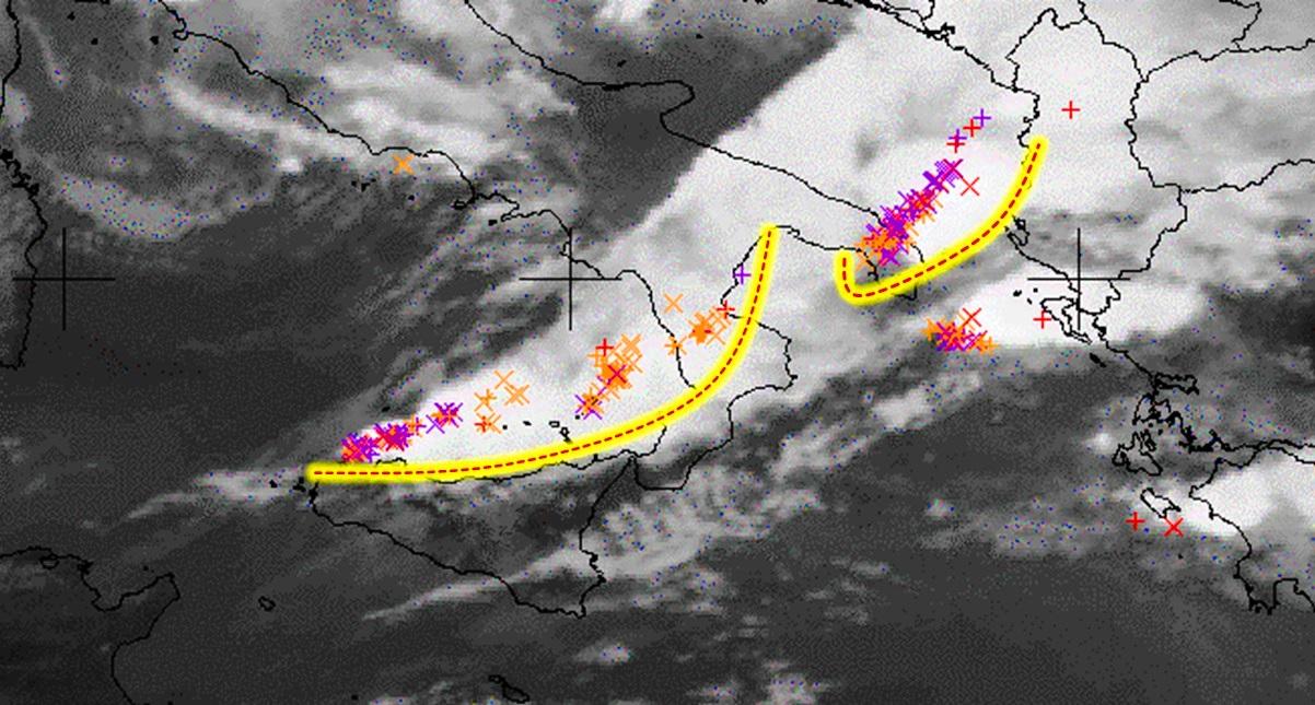 Allerta Meteo, spaventosa squall line temporalesca sta per abbattersi su Sicilia e Calabria: rischio tornado e nubifragi [LIVE]