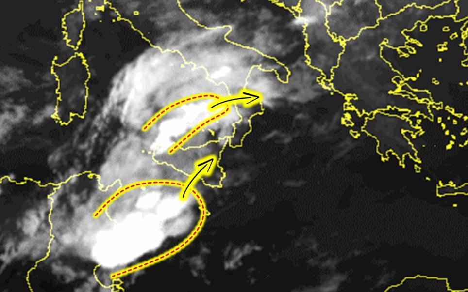 Allerta Meteo, peggiora al Sud: groppo temporalesco nel basso Tirreno, squall-line sul Canale di Sicilia [LIVE]