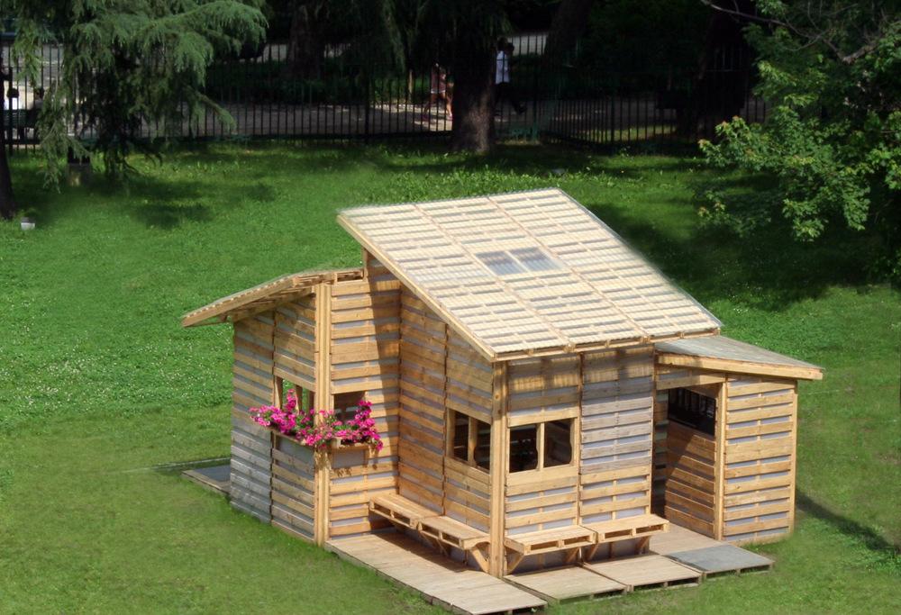 Case in pallet il futuro dell architettura sostenibile for Architettura case