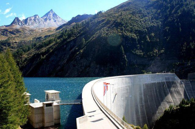 Diga del Luzzone: la parete di arrampicata artificiale più alta al mondo