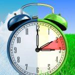 Torna l'ora solare, ecco DATA e INFO UTILI: un'ora in più di sonno, sei un gufo o un'allodola?