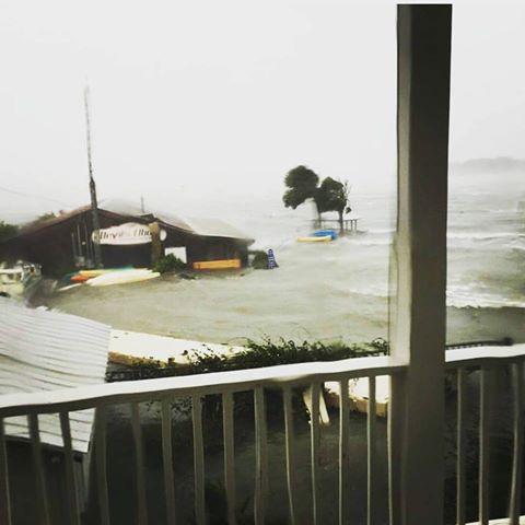 Uragano Matthew, coste della Florida inondate da una pazzesca storm surge. Seconda vittima [FOTO e VIDEO LIVE]