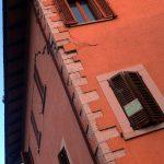Terremoto, torna la paura nel Centro Italia: ancora forti scosse e crolli, un morto e migliaia di sfollati [LIVE]