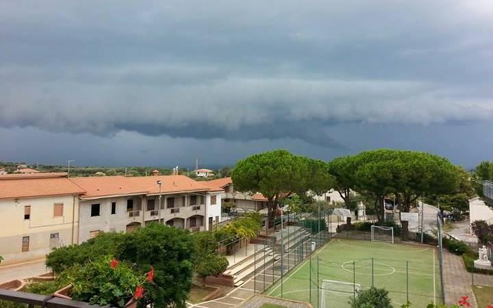 Maltempo LIVE: forti temporali al Sud, in Calabria i fenomeni più estremi [MAPPE]