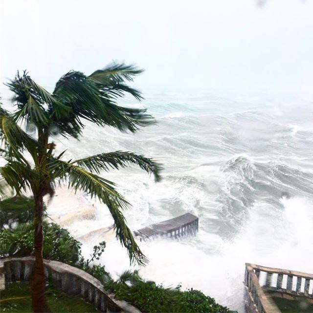 Bermuda devastate dall'uragano Nicole: isole dell'arcipelago in ginocchio [FOTO e VIDEO SHOCK]