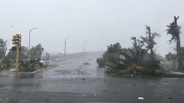 L'uragano Matthew devasta le Bahamas e si appresta a colpire la Florida: immagini terribili in diretta da Nassau [VIDEO LIVE]