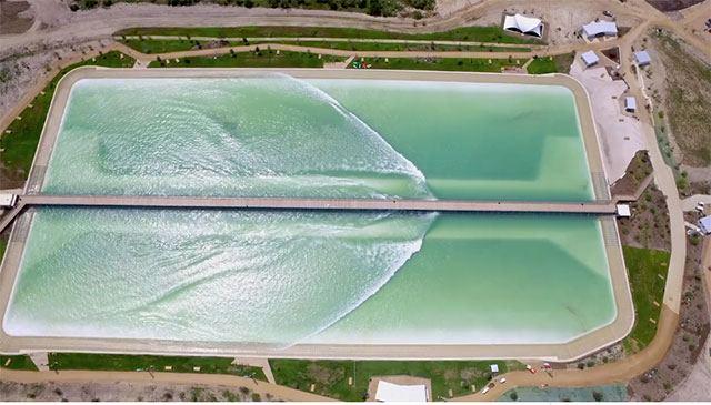 """Inaugurato in Texas il primo """"Wavegarden"""" del Nord America"""