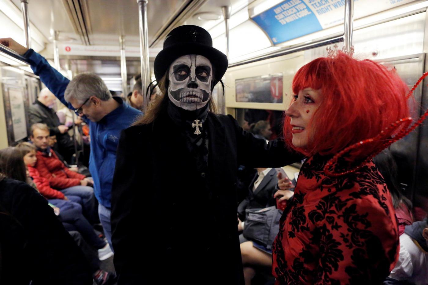 Halloween 2018  25 curiosità sulla festa più terrificante dell anno ... 0b11d8273c65
