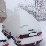 Maltempo, violento ciclone di neve si abbatte sull'Ucraina: blizzard pazzeschi, sommersa la città di Ternopil [FOTO e VIDEO LIVE]