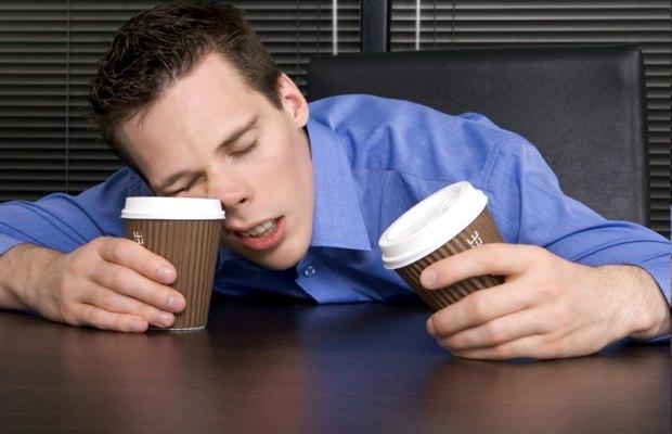 Dormire poco fa consumare più bevande zuccherate durante il giorno