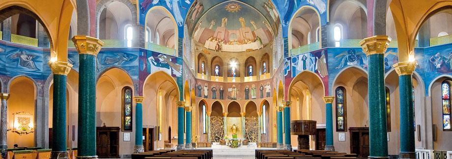 Terremoto danneggiata la bellissima cupola della basilica for Basilica di santa rita da cascia