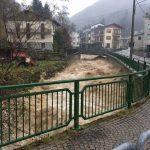 """Maltempo, disastrosa alluvione tra Piemonte e Liguria: """"qui è peggio del '94, abbiamo tanta paura"""". Evacuazioni in atto [LIVE]"""