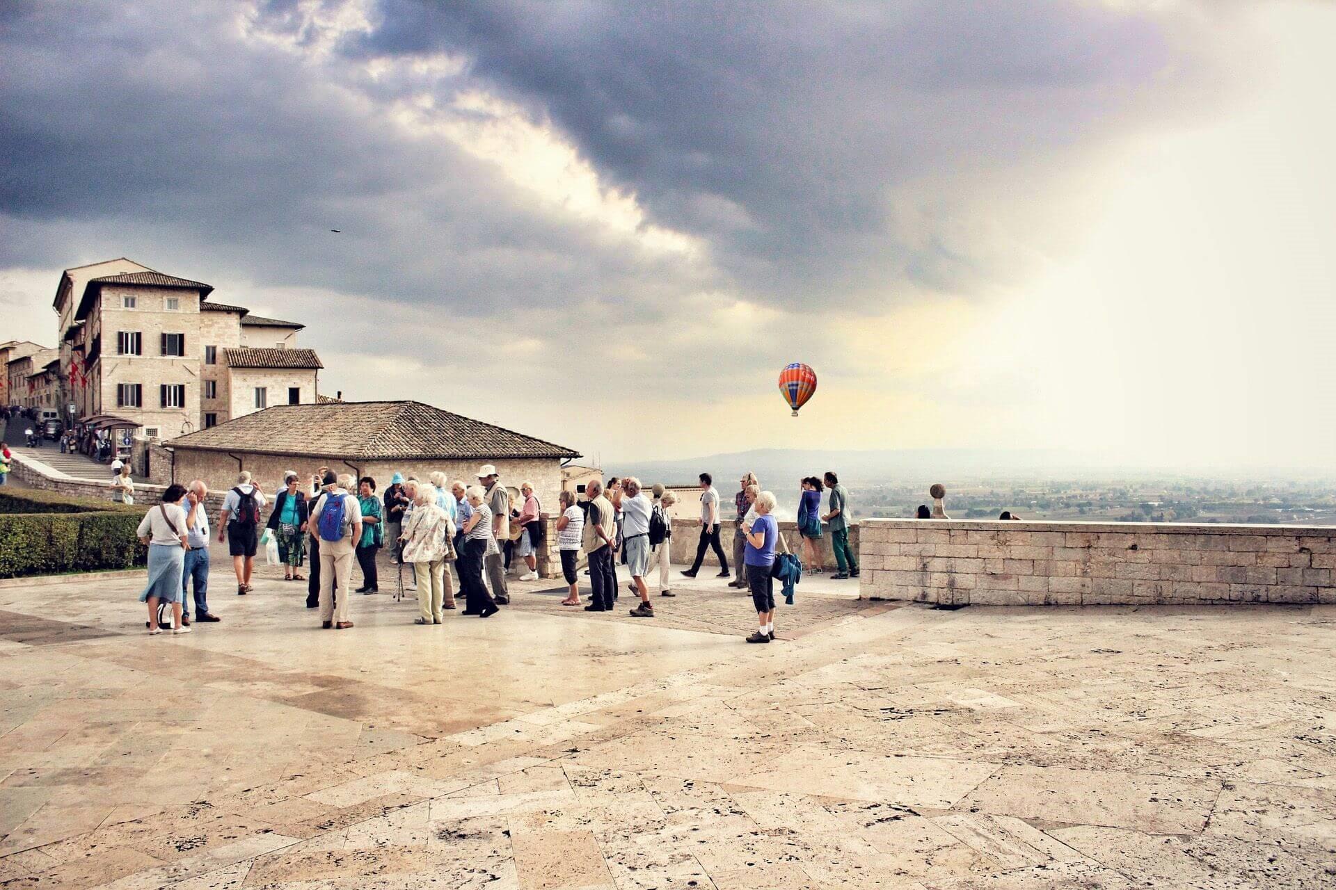 Regalare l'Umbria per Natale: guida alle vacanze e attività top