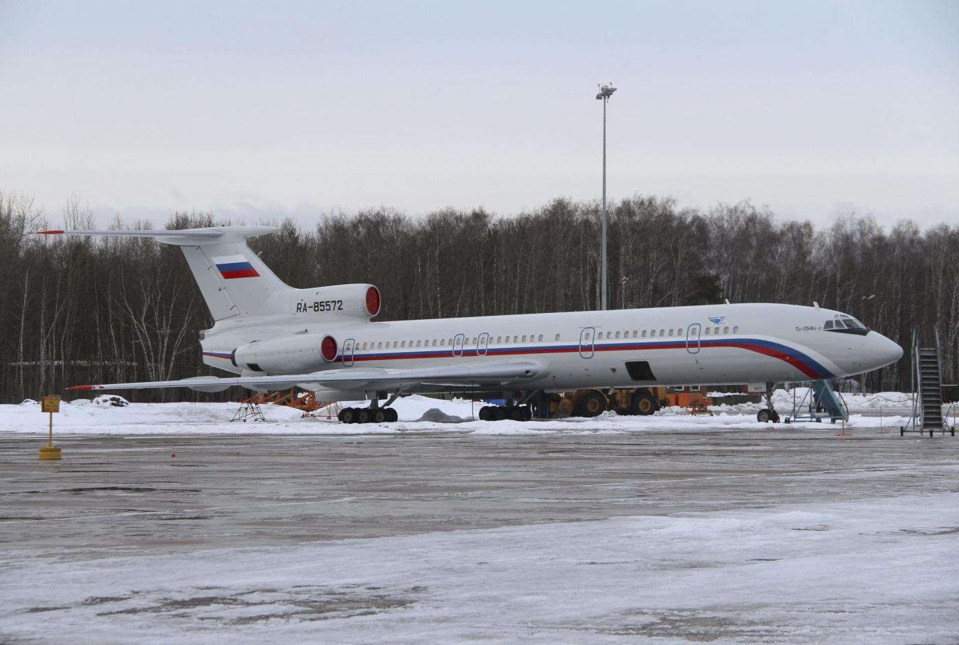 Aereo russo precipitato nel Mar Nero, ex pilota: l'errore umano