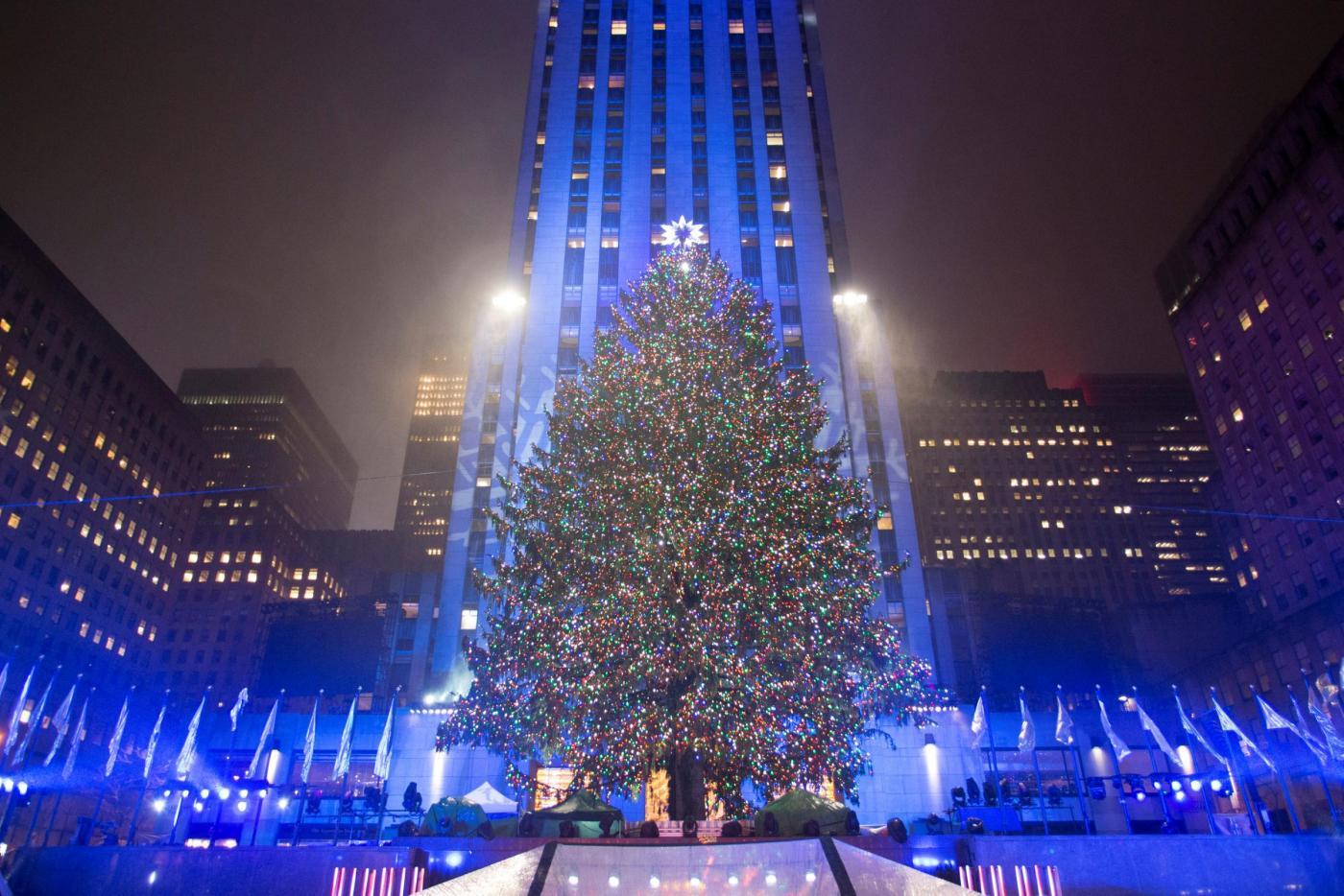 Albero Di Natale New York.New York L Accensione Dell Albero Di Natale A Times Square Gallery