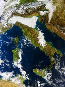 italia satellite oggi nebbia pianura padana