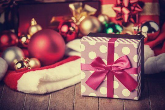 Regali Di Natale A 1 Euro.Natale Federconsumatori Di 129 9 Euro Il Budget Delle Famiglie Per